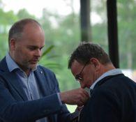 Afscheidnemend voorzitter Jan Minkhorst in het zonnetje gezet (foto's)