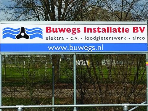 Buwegs Installatie BV met nieuw bord op 2e ring!